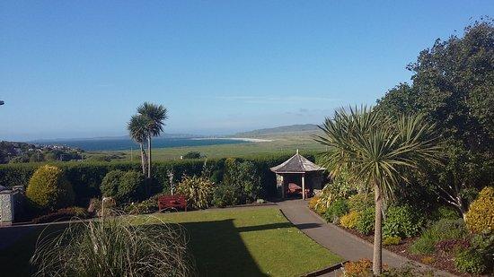 Ballyliffin, Irlandia: Ocean and Garden View