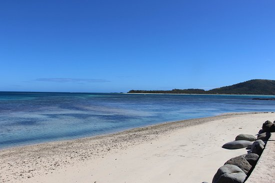 Nanuya Island Resort: The beach between the tides