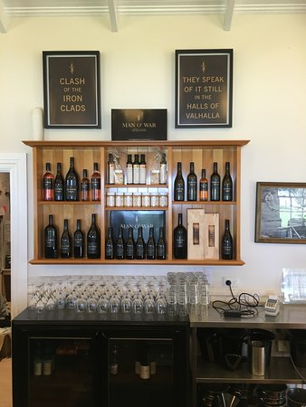 Waiheke Island, New Zealand: wine tasting