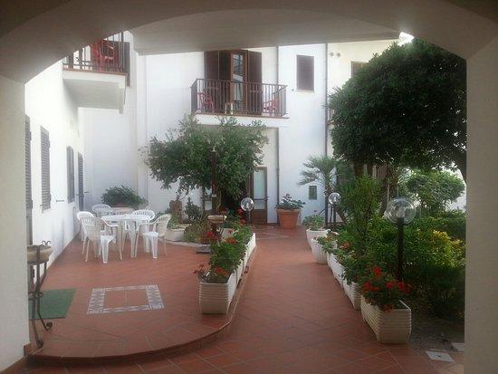 Hotel El Balear: 20160902_100332_large.jpg