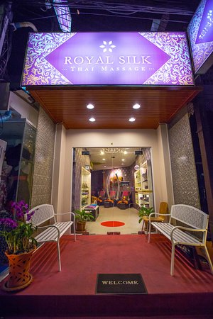 https://media-cdn.tripadvisor.com/media/photo-s/0c/cd/45/9d/royal-silk-entrance.jpg