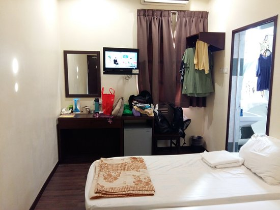 GoodHope Inn - Kelawei-Penang : Double Bed with Extra SIngle Bed Room