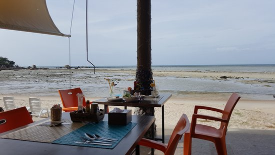 Palm Coco Mantra: Good variety of breakfast, with a view. Extremely windy though.