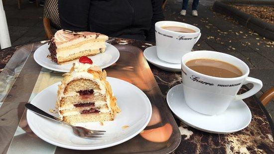 Gut Fur Kaffee Kuchen Hier Halt Auch Molli Die Historische