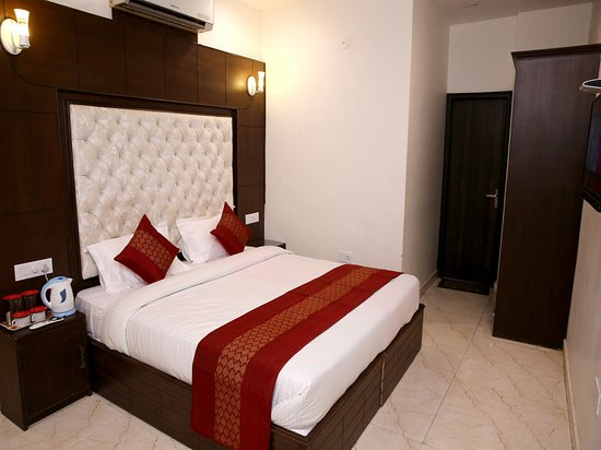 OYO Rooms PCL Chowk Phase 5 Mohali