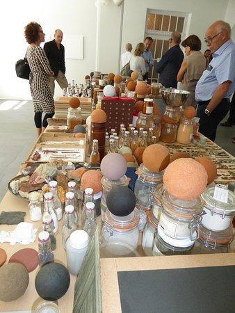 Scuol, Schweiz: Une des productions artistiques lors de la réouverture
