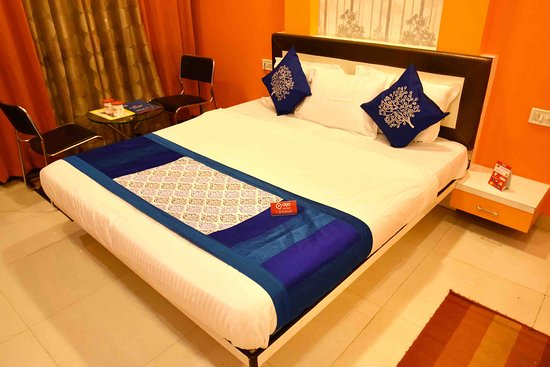 OYO Rooms Near Navlakha Bus Stand