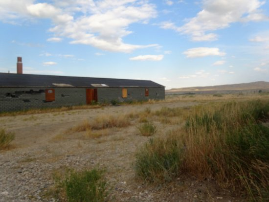 Powell, WY: Barracks