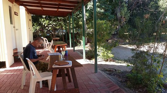 Mount Surprise, Australia: What a little charmer this park was! Lovely information book in cabin with history of the park -