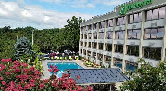 Holiday Inn Asheville - Biltmore East: Pool