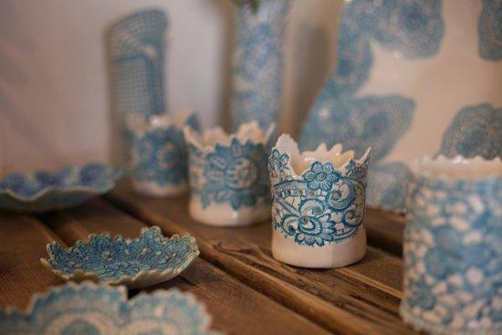 Painswick, UK: Tara Davidson's stunning ceramic plates, vases and candle holders