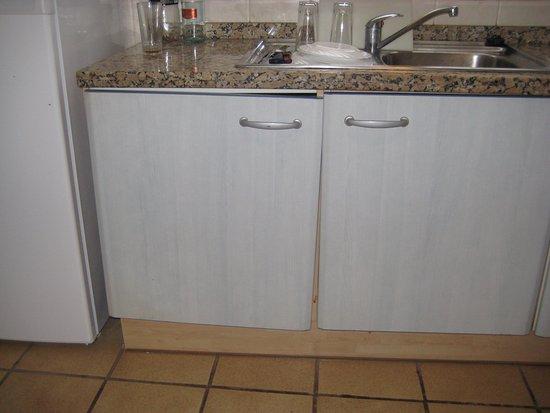Kitchen unit carcass split shabby pueblo for Kitchen carcass