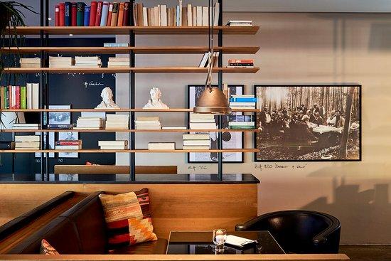 Zürich, Sveits: Wohnzimmer