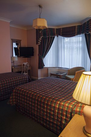 Her Majesty Hotel: Triple Room