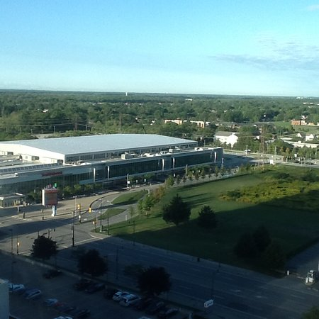 Radisson Hotel & Suites Fallsview: View from hotel