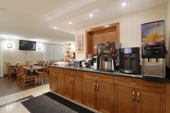 BEST WESTERN PLUS Kitchener-Waterloo: Complimentary hot breakfast