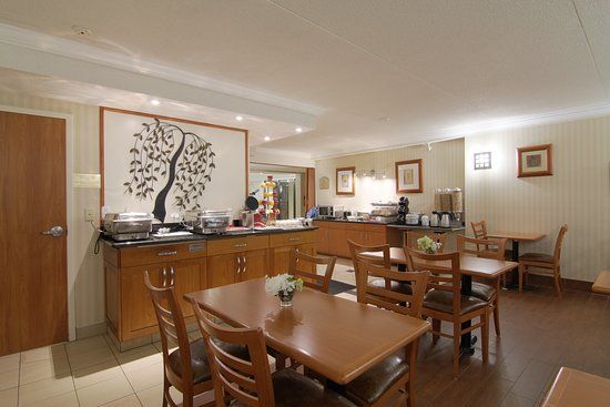 BEST WESTERN PLUS Kitchener-Waterloo: Breakfast area