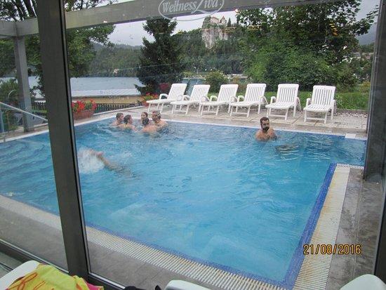 Wellness Ziva: piscine exterieure