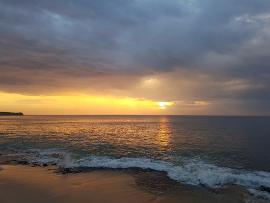 Tegal Wangi Beach: when the sun goes down