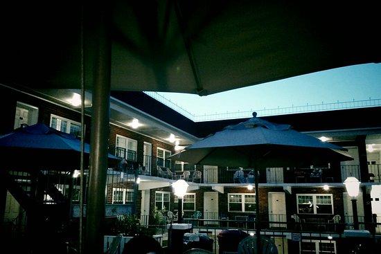 Victorian Motel: IMG_0007_large.jpg