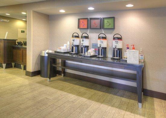 Hampton Inn Tuscaloosa -East: Coffee Station