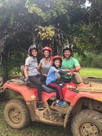 Kapaau, Hawaï : familiy ATVing