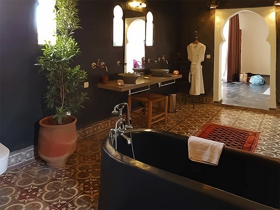 Изображение Riad Laaroussa Hotel and Spa