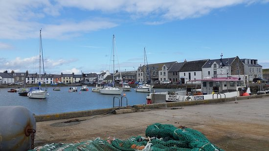 Whithorn, UK: View over the harbour to the quayside and SteamPacket Inn