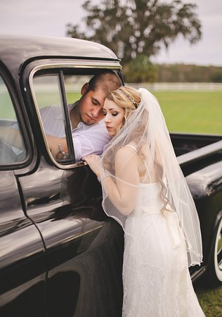 Leesburg, FL: Have Your Wedding Here! Love is in the air...