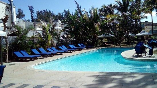 Manisa Hotel: terrasse sur piscine