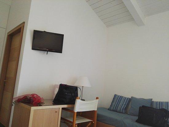 Camera tv e letto singolo billede af hotel genova - Camera letto singolo ...