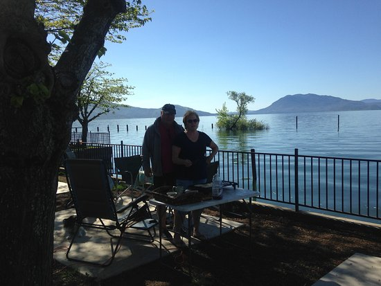 Nice RV Park On Clear Lake Waterfront