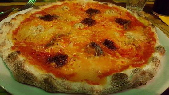 Villanova d'Asti, İtalya: 20160830_205615_large.jpg