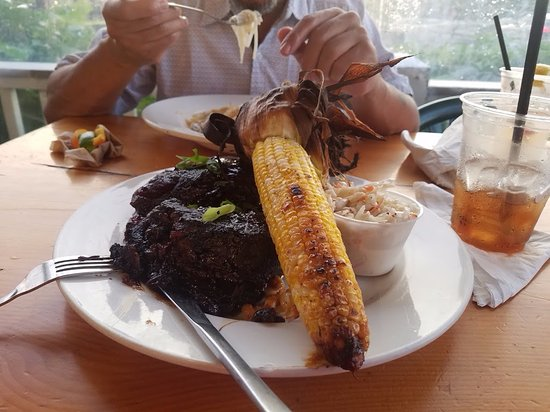 Poor People's Pub : the beef ribs with corn, mac salad, and cole slaw.