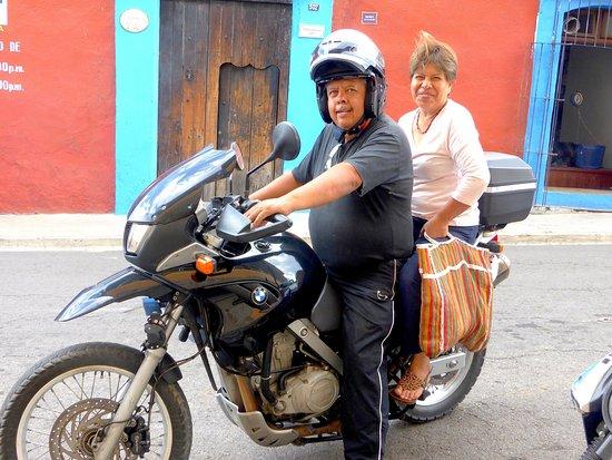 Casa Giron : Your hosts-Carlos and Concepcion