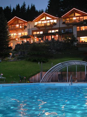 Oberndorf, Austria: heated pool