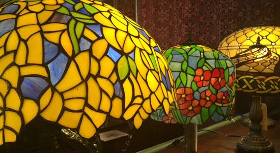 Sperryville, VA: Enjoy our vast array of Tiffany style lamps