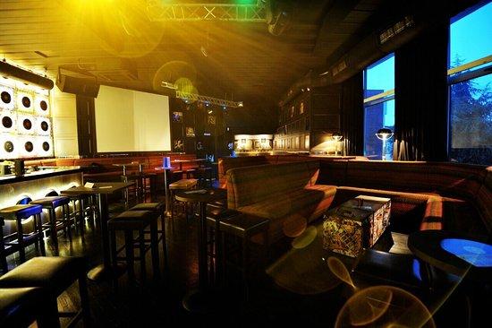 Karaoke Bar