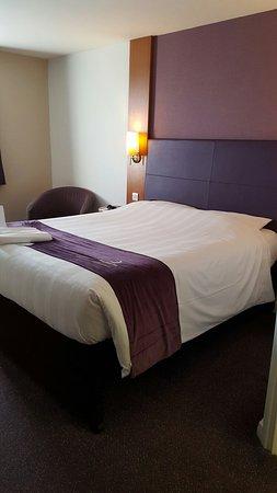 Premier Inn Oxford Hotel: 20160812_173454_large.jpg