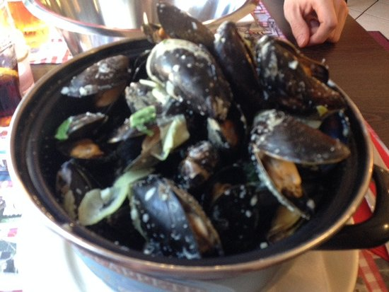 Chez Betty: Mussels with cream