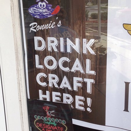 Green Cove Springs, Flórida: Ronnie's Wings Oysters & More