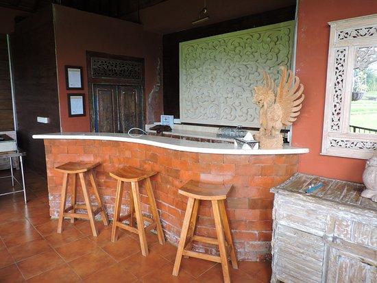 Pariliana, Maison et Table d'Hotes a Bali: cuisine de wayan pour les cours ouverte sur les rizières