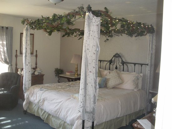 Carriage Vineyards Bed & Breakfast: the phaeton room