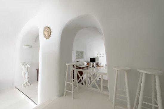 White House Villa: interior
