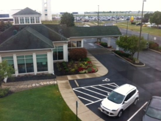 Hilton Garden Inn Columbus Airport: view below and beyond
