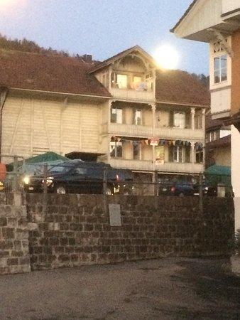Vollmond in Hilterfingen bei der NEB-Thun Lodge.