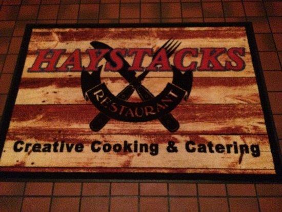 Haystacks : Entrance Rug