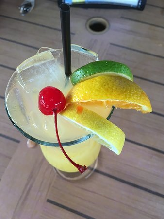 Hurricane Grill & Wings: White Sangria - who knew?