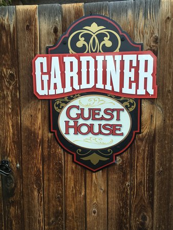 Gardiner Guest House B&B : Entrance gate