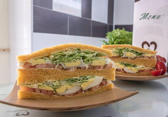 Province of Salerno, Italie : Super sandwich-oltre 50 gusti di  tramezzini,con pane integrale,pane bianco, pane al pomodoro,ec